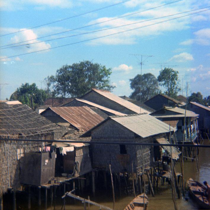 river_houses_sm